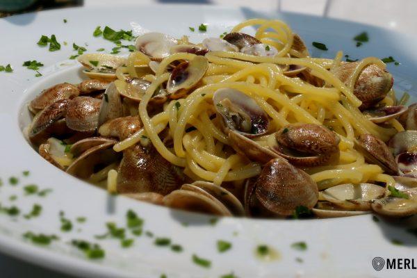 spaghetti_con_le_vongole_pranzo_alba_adriatica_merlibeach